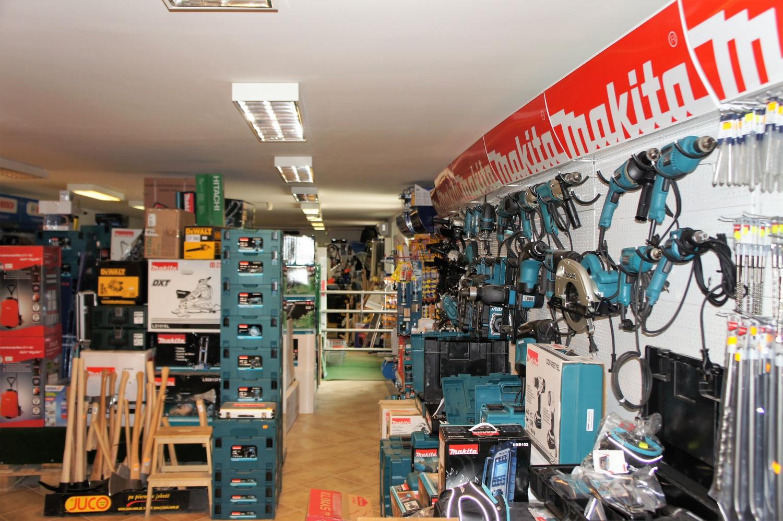 Tímár vaskereskedelmi központ barkács áruház átalakítás ...