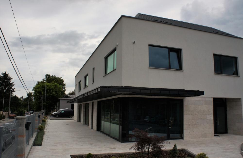 Járműflotta.hu Kft. irodaépület, autószerviz 3300 m2