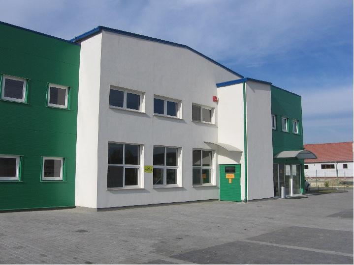 Tímár vaskereskedelmi központ, 1200 m2 csarnok, 500 m2 iroda